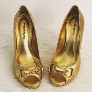 Boston Proper Heels Peep-Toe Gold